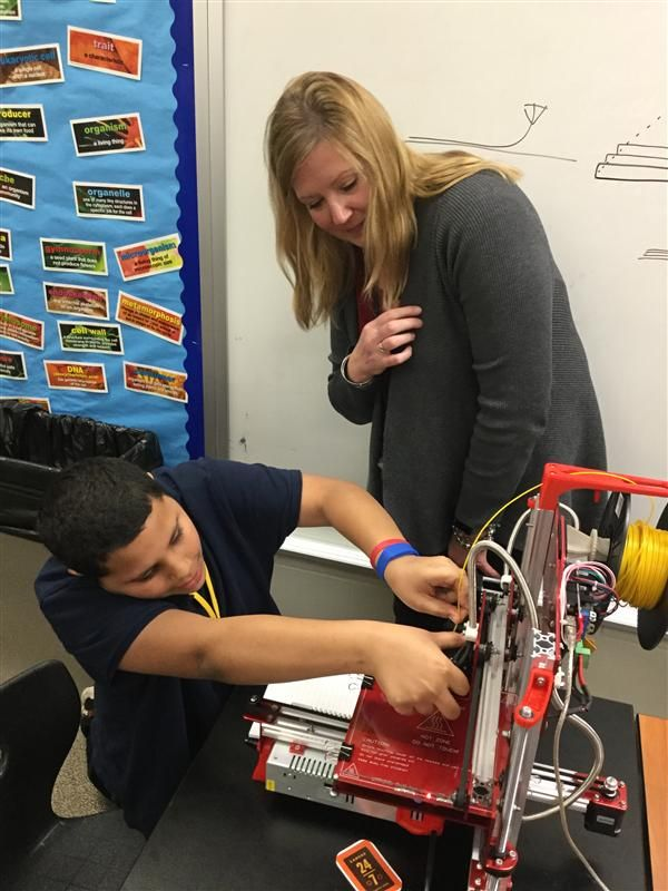 Lake Hills Elementary Receives 3-D Printer