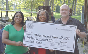 Mayor's Golf Outing Raises $12,000 for MCAS